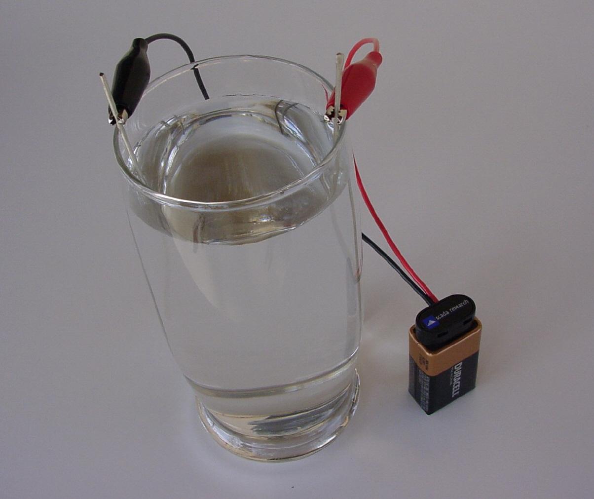 Gedemineraliseerd water maken